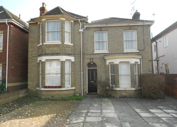 Thumbnail 3 bed flat to rent in Roberts Road, Southampton
