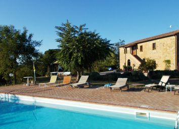 Thumbnail 8 bed country house for sale in It-027, Country House On Border Of Tuscany And Umbria, Italy