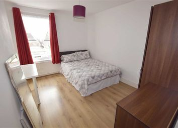 Thumbnail Room to rent in Squires Lane, London
