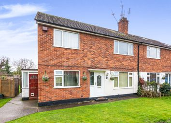 Thumbnail 2 bed maisonette for sale in Fairlawns, Horley