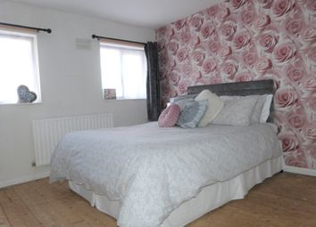 Thumbnail 3 bed terraced house for sale in Beechfield Walk, Waltham Abbey