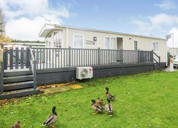 2 bed mobile/park home for sale in Billing Aquadrome, Crow Lane, Northampton NN3