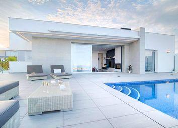 Thumbnail Villa for sale in Cumbre Del Sol, Alicante, Spain