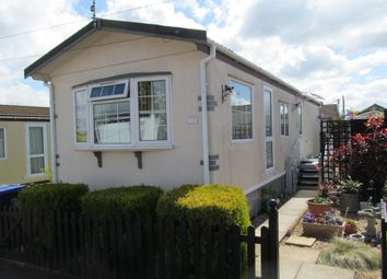 Thumbnail 2 bed mobile/park home for sale in Beverley Hills Park (Ref 5580), Boscombe Down, Amesbury, Wiltshire