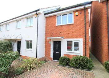 2 bed terraced house to rent in Longships Way, Reading, Berkshire RG2