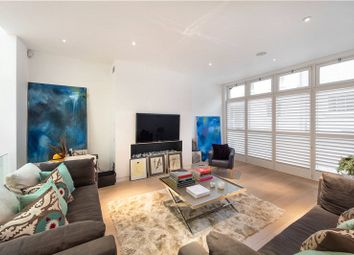 Thumbnail 4 bed property to rent in Queens Gate Mews, South Kensington, London