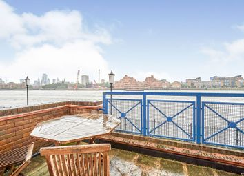 King & Queen Wharf, London SE16. 2 bed flat for sale