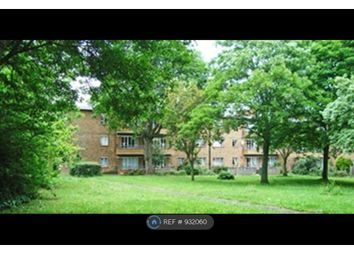 2 bed flat to rent in Bolingbroke Grove, London SW11