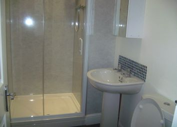 5 bed maisonette to rent in Helmsley Road, Sandyford, Newcastle Upon Tyne NE2