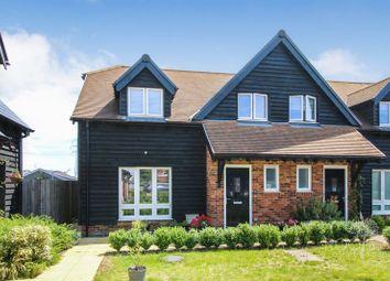 3 bed end terrace house for sale in Rainsford Farm Mews, Thatcham RG19