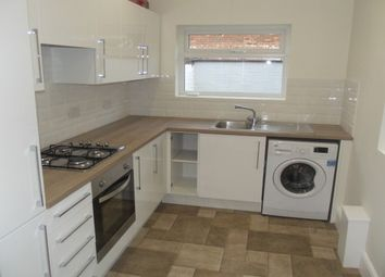 Thumbnail 2 bedroom property to rent in Lonsdale Avenue, Reddish