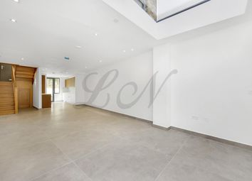 Thumbnail 4 bed town house to rent in Highgate Road, Kentish Town