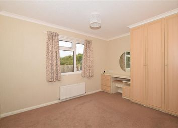 Canterbury Road, Charing, Ashford, Kent TN27. 2 bed mobile/park home