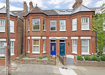 3 bed flat for sale in Salisbury Road, Richmond TW9