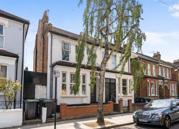 Thumbnail 2 bed flat for sale in Lyndhurst Road, Wood Green