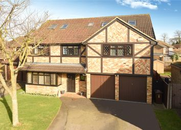 Thumbnail 7 bed property for sale in Fennel Close, Farnborough, Hampshire