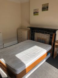 Thumbnail 1 bed terraced house to rent in Park St, Luton