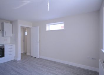 Thumbnail 1 bedroom flat to rent in Whitchurch Road, Cardiff