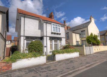 Thumbnail 3 bed detached house for sale in Elma Avenue, Bridlington
