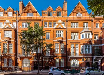 Thumbnail 1 bed flat to rent in Cadogan Gardens, Chelsea, London