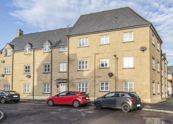 2 bed flat for sale in Cherry Tree Way, Carterton OX18