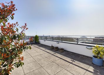 Orchard Place, Southampton, Southampton SO14. 2 bed flat for sale