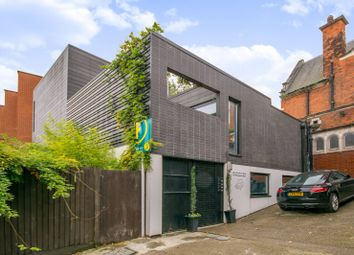 Thumbnail 2 bed flat to rent in Wandsworth Road, Wandsworth