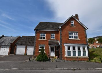 Thumbnail 6 bed property to rent in Reed Drive, Redhill