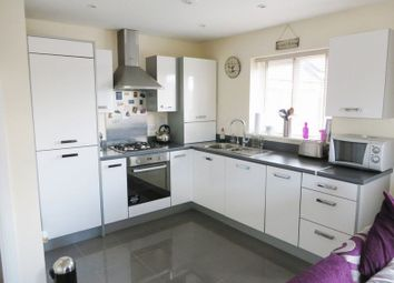 Thumbnail 2 bedroom flat for sale in Old College Avenue, Oldbury
