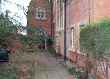 2 bed maisonette to rent in Newcastle Circus, Nottingham NG7
