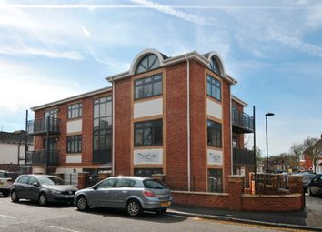 Thumbnail 1 bedroom flat for sale in Elm Park Road, Winchmore Hill, London