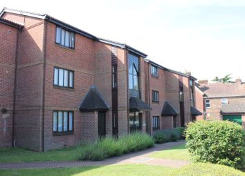 Thumbnail 1 bed flat to rent in Abbotsbury Court, Horsham