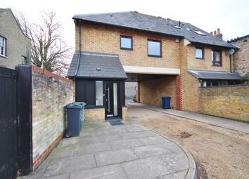 Thumbnail 1 bed maisonette to rent in Parsonage Street, Cambridge