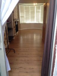 Thumbnail 1 bed property to rent in Brights Avenue, Rainham