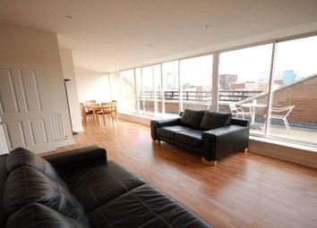 Thumbnail 2 bedroom flat to rent in Cheapside, Reading