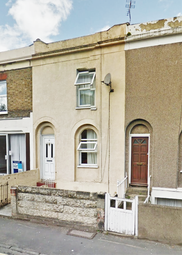 Thumbnail 3 bedroom terraced house to rent in Wrotham Road, Gravesend