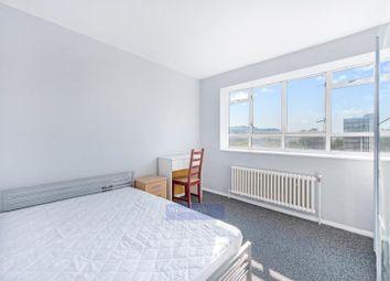 Churchill Gardens, London SW1V. 3 bed flat
