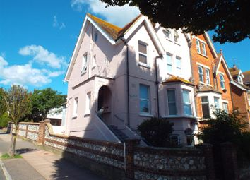 2 bed flat to rent in Enys Road, Eastbourne BN21
