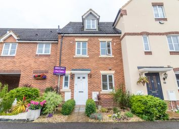 Thumbnail 3 bed town house for sale in Gloucester Avenue, Shinfield, Reading