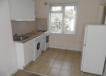 Thumbnail 1 bed flat to rent in Saxton Road, Abingdon