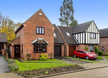 3 bed detached house for sale in Almond Close, Ashford TN25