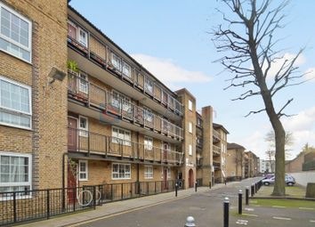 2 bed flat for sale in Cahir Street, London E14