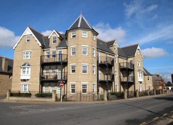 Thumbnail 2 bed flat to rent in Salisbury Avenue, Colchester
