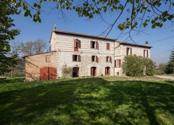 Thumbnail 6 bed farmhouse for sale in Fossombrone, Fossombrone, Pesaro And Urbino, Marche, Italy
