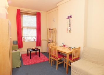 1 bed flat to rent in Manor Park Road, London NW10