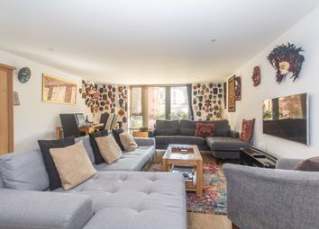 3 bed maisonette to rent in Dongola Road, London E1