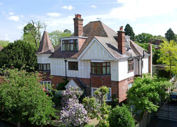 Thumbnail 2 bed flat for sale in Calonne Road, Wimbledon