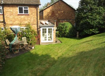 Thumbnail 2 bedroom maisonette to rent in Sandygate Close, Marlow