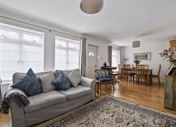 3 bed property for sale in St. Pauls Close, London W5