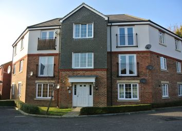 2 bed flat to rent in Holt Close, Singleton, Ashford TN23